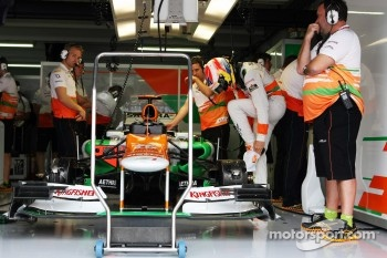 Paul di Resta, prepares to climb into his Sahara Force India
