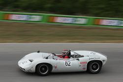 #62 1966 Lola T70 : Tom Shelton
