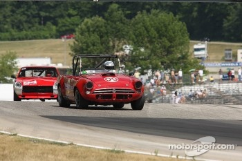  #09 1966 Sunbeam Tiger: Charles Glapinski #84 1972 Datsun 240Z: Michael Manser 
