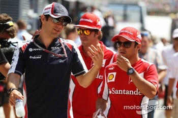 Bruno Senna, Williams with Felipe Massa, Scuderia Ferrari