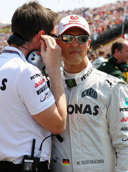 Andrew Shovlin, Mercedes AMG F1 Engineer with Michael Schumacher, Mercedes AMG F1 on the grid