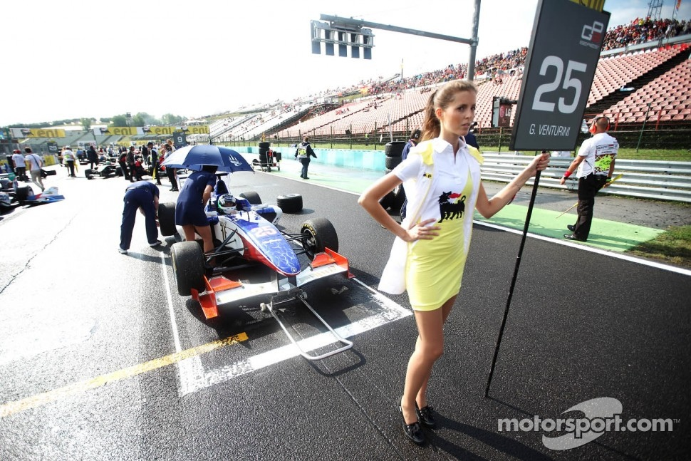 Grid girl of  Giovanni Venturini