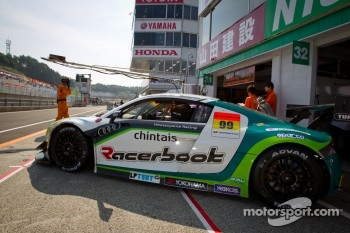#99 Hitotsuyama Racing Audi R8 LMS: Michael Kim, Hideto Yasuoka