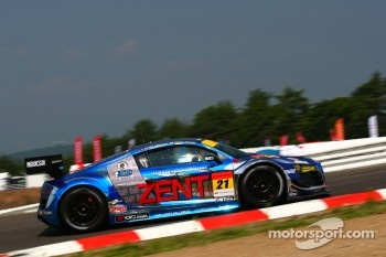#21 Hitotsuyama Racing Audi R8 LMS: Cyndie Allemann, Akihiro Tsuzuki
