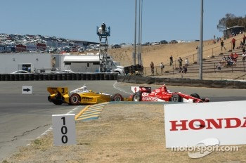 Helio Castroneves, Penske Truck Rental Chevrolet and Scott Dixon, Target Chip Ganassi Racing Honda