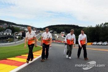 Nico Hulkenberg, Sahara Force India F1 walks the circuit and climbs Eau Rouge