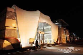 Sauber motorhome at night