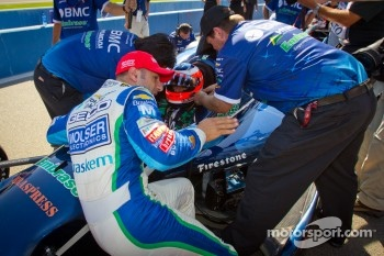 Tony Kanaan, KV Racing Technology Chevrolet and Rubens Barrichello, KV Racing Technology Chevrolet discuss