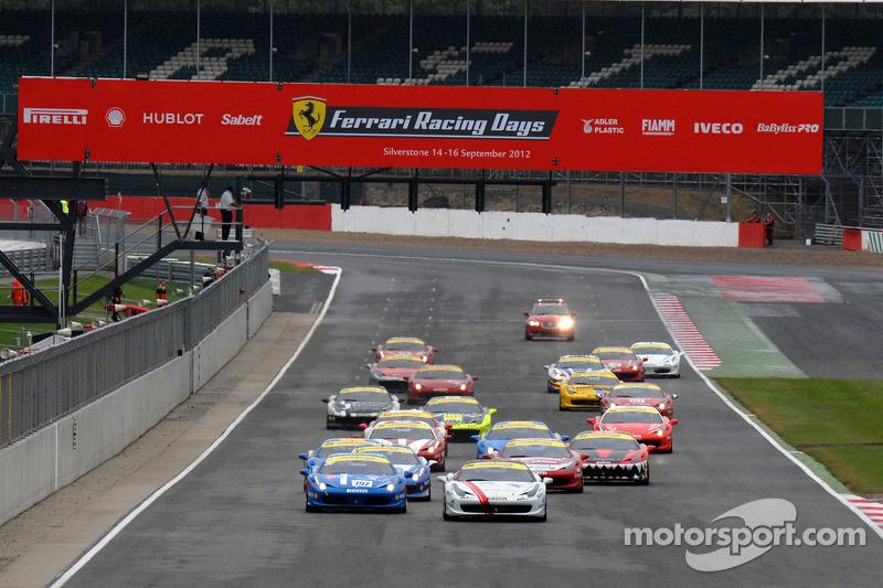 Round 6 Race 1 Ferrari Trofeo Pirelli- Coppa Shell start