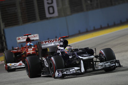 Pastor Maldonado, Williams leads Fernando Alonso, Ferrari