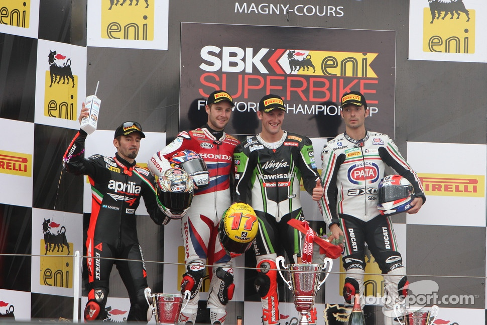 Podium: race winner Tom Sykes, second place Jonathan Rea, third place Sylvain Guintoli with 2012 champion Max Biaggi