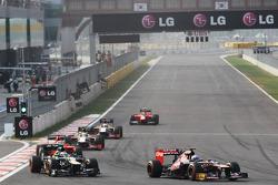 Daniel Ricciardo, Scuderia Toro Rosso passes Vitaly Petrov, Caterham
