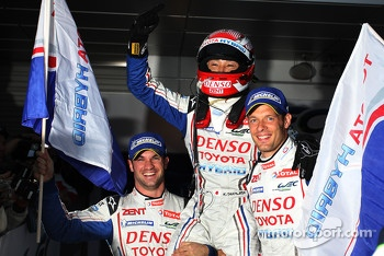 Race winners Alexander Wurz, Nicolas Lapierre, Kazuki Nakajima