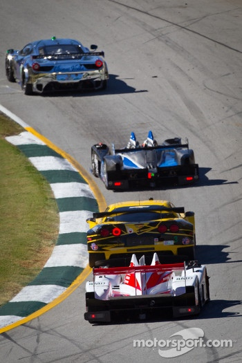 #3 Corvette Racing Chevrolet Corvette C6 ZR1: Jan Magnussen, Antonio Garcia, Jordan Taylor and #1 Greaves Motorsports Zytek Z11SN Nissan: Alex Brundle, Alex Buncombe, Tom Kimber-Smith