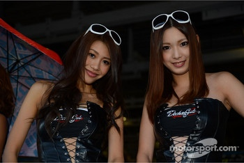 Autograph session,Girls