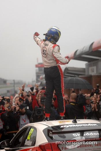 Gordon Shedden celebrates becoming champion