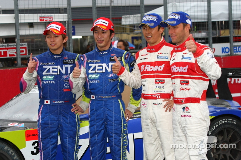 GT500 winners Kohei Hirate, Yuji Tachikawa and 2012 GT500 champions Masataka Yanagida, Ronnie Quintarelli
