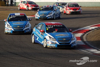 Alain Menu, Chevrolet Cruze 1.6T, Chevrolet and Yvan Muller, Chevrolet Cruze 1.6T, Chevrolet
