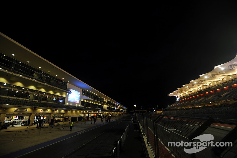 The track at night