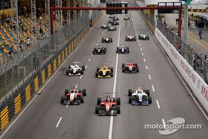 F3 race action.