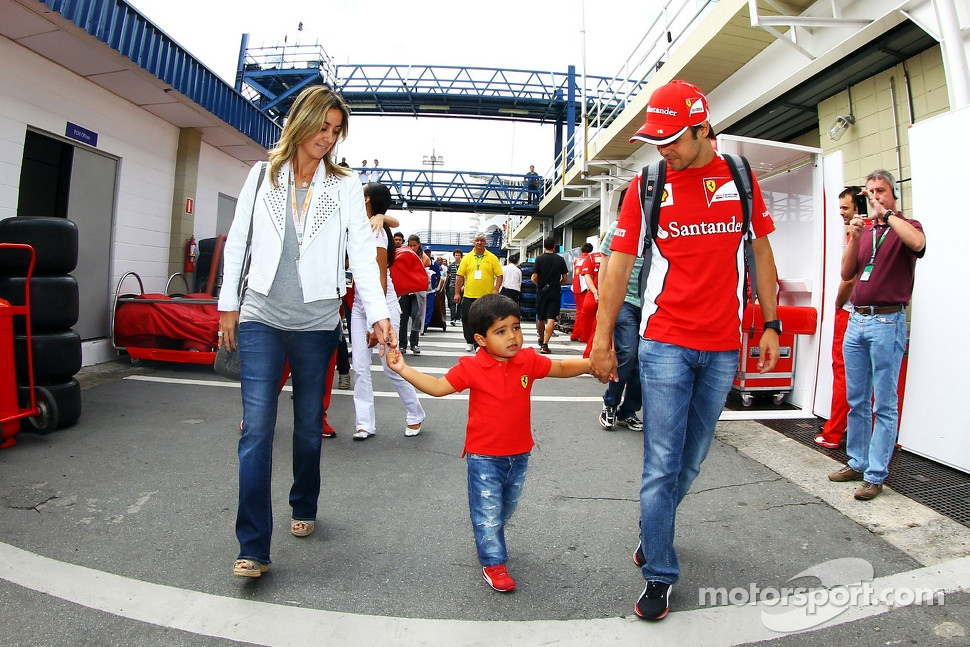 Felipe Massa, Ferrari with his wife Rafaela Bassi, and son Felipinho