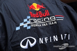 Red Bull Racing has announced Infiniti to be their title sponsor from 2013