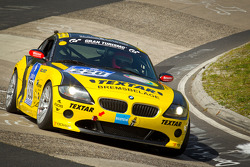 #220 Black Falcon Team TMD Friction BMW Z4: Laurentius Michielse, Dillon Kosten, Erik Weijers