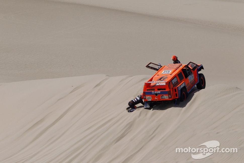 http://cdn-5.motorsport.com/static/img/mgl/1400000/1490000/1499000/1499000/1499025/s1_1.jpg