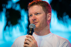 Fan forum: Dale Earnhardt Jr., Hendrick Motorsports Chevrolet