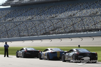 Ferrari Challenge cars await a practice session