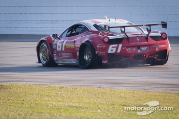 #61 R.Ferri/AIM Motorsport Racing with Ferrari Ferrari 458: Max Papis, Jeff Segal, Toni Vilander, Giancarlo Fisichella with tire issues