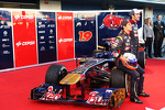 Daniel Ricciardo, Scuderia Toro Rosso and team mate Jean-Eric Vergne, Scuderia Toro Rosso with the new Scuderia Toro Rosso STR8