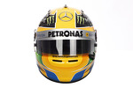 the-helmet-of-lewis-hamilton-mercedes-amg-f1-7