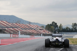 Pastor Maldonado, Williams FW35 at the pit exit