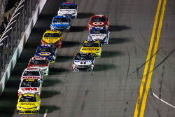 Matt Kenseth, Joe Gibbs Racing Toyota leads the field