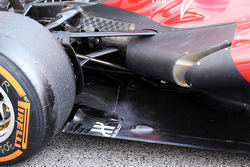 Ferrari F138 exhaust and rear suspension