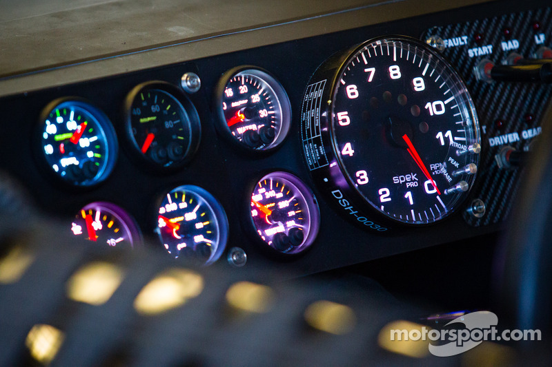 Instrument panel for Clint Bowyer, Michael Waltrip Racing Toyota