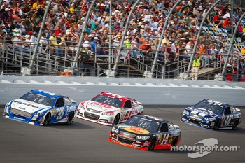 Carl Edwards, Roush Fenway Racing Ford, Regan Smith, Phoenix Racing Chevrolet, Tony Stewart, Stewart-Haas Racing Chevrolet, Jimmie Johnson, Hendrick Motorsports Chevrolet