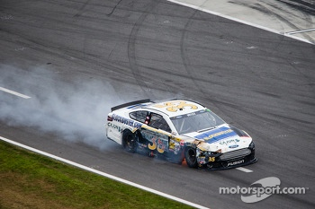 Josh Wise, Front Row Motorsports Ford on pit road with damage