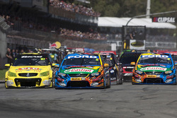 Start: Mark Winterbottom leads