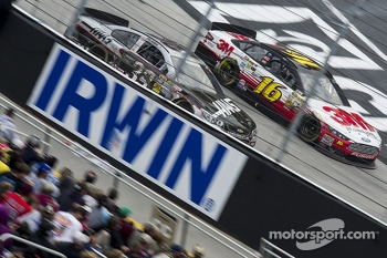 Ryan Newman, Stewart-Haas Racing Chevrolet, Greg Biffle, Roush Fenway Racing Ford