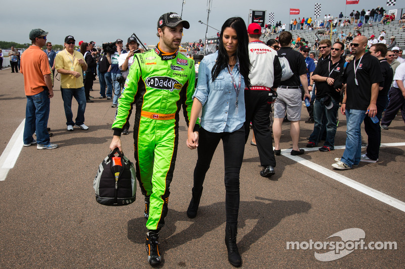James Hinchcliffe, Andretti Autosport Chevrolet with his girlfriend Kirsten Dee