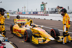 pit-stop-for-ryan-hunter-reay-andretti-autosport-chevrolet-9