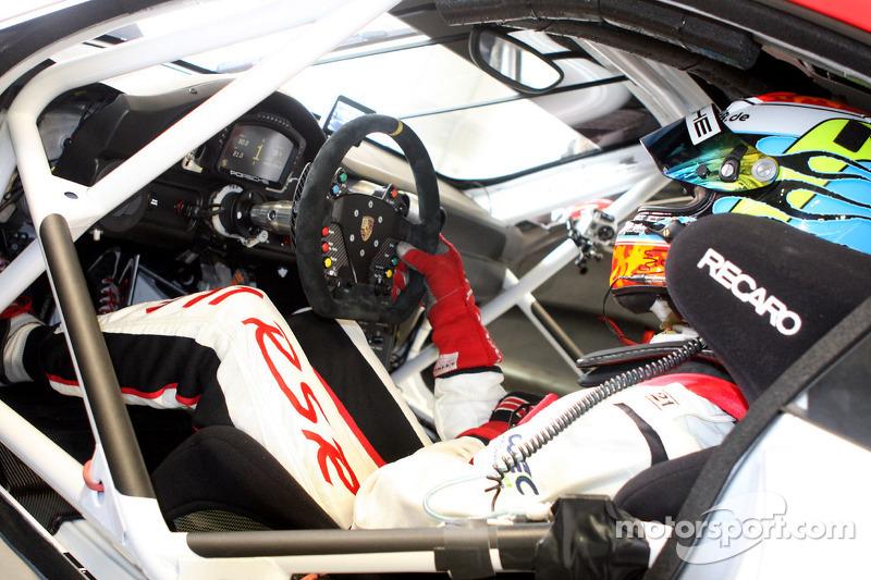 Inside the Porsche 911 RSR