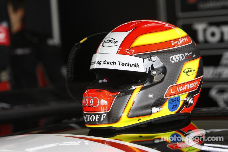 Helmet of Laurens Vanthoor