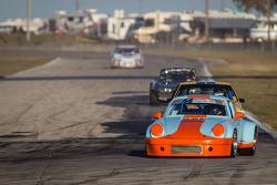 #01 1972 Porsche 911 RSR: Ken McKinnon, Mike Bruns