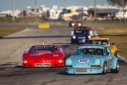 #122 1971 Porsche 911: Randy Proudfit, Ron Zitza