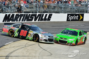 Dale Earnhardt Jr., Hendrick Motorsports Chevrolet and Danica Patrick, Stewart-Haas Racing Chevrolet