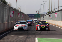 Yvan Muller, Chevrolet Cruze 1.6T, RML and Robert Huff, SEAT Leon WTCC, ALL-INKL.COM Munnich Motorsport