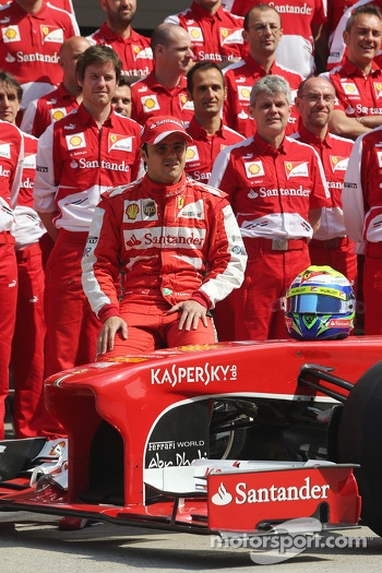 Felipe Massa, Ferrari in a team photograph